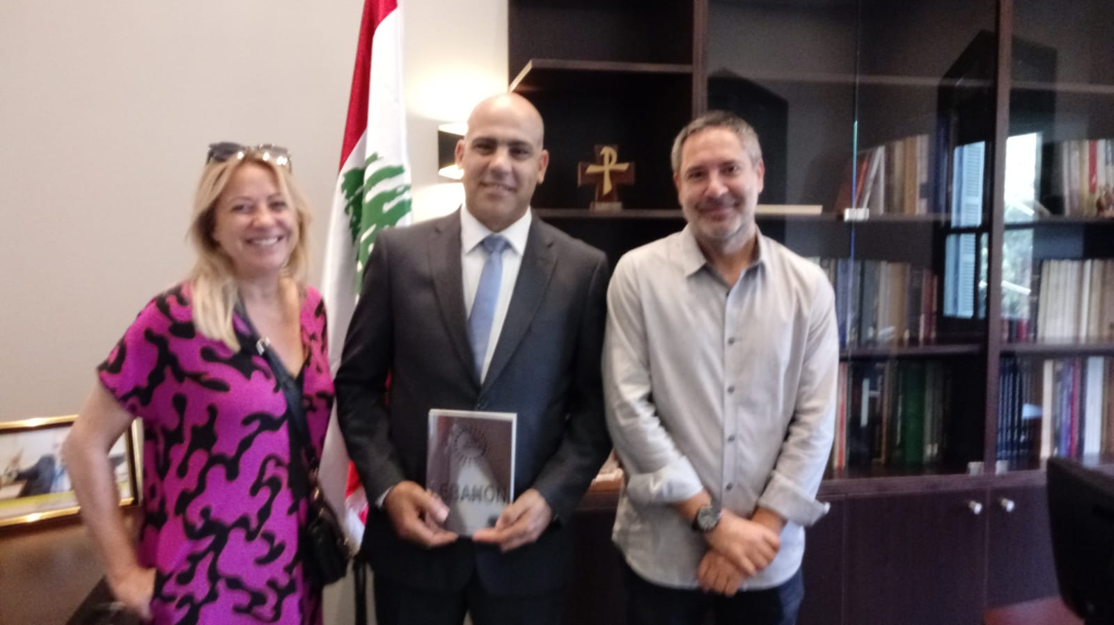 At the Lebanese National Library with Delphine Barets (left), Co-Founder Those Who Inspire, Hassan Akra (centre), Chairman Lebanese National Library, and Alejandro Andrés (right), Director of Those Who Inspire Lebanon © Those Who Inspire